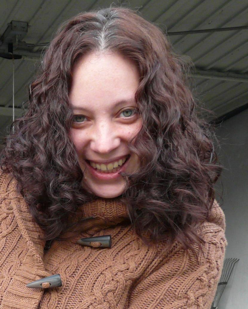 Maggie Xenopoulos' headshot